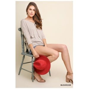 Tops - 3/4 Sleeve V Neck Top in Mushroom S/M/L